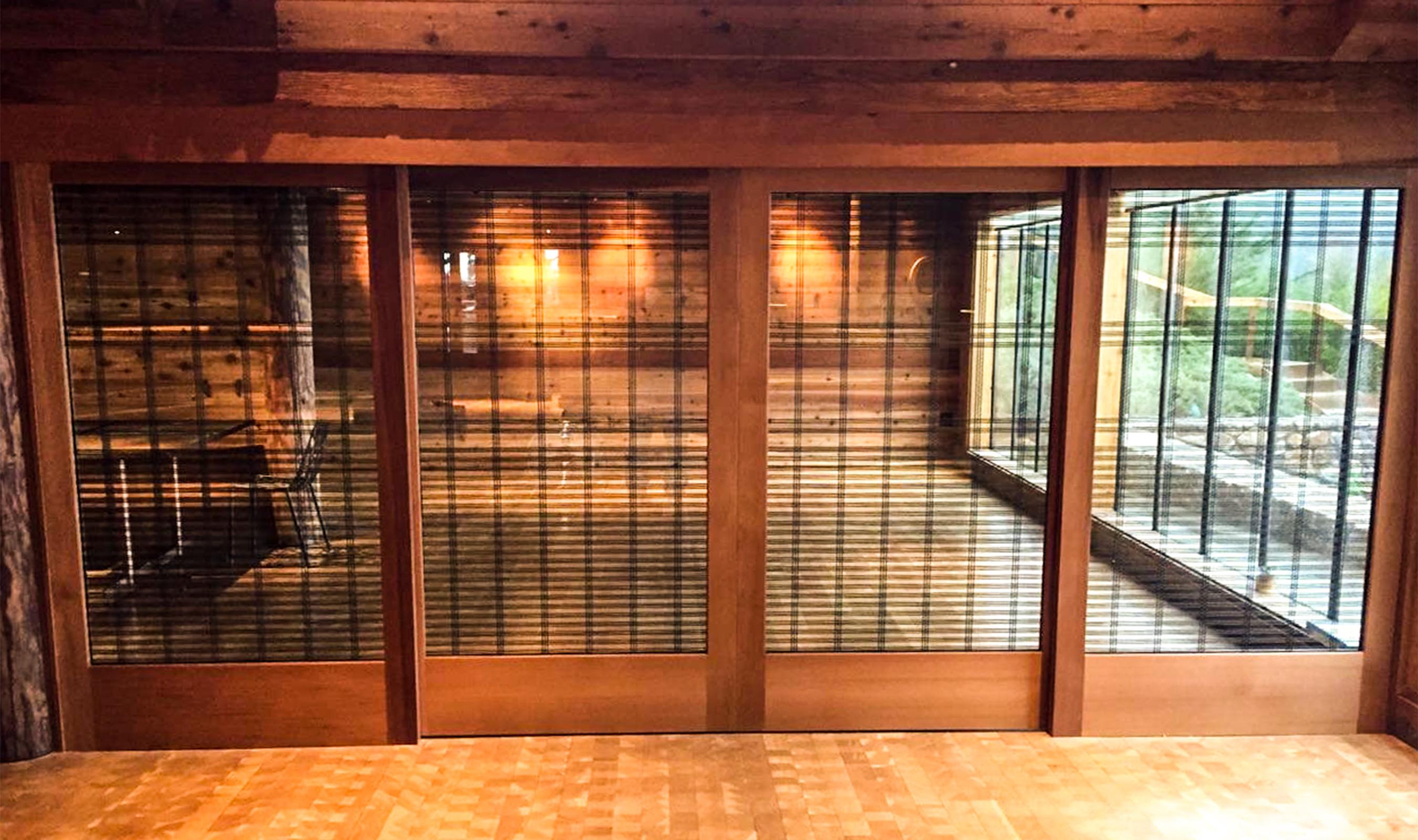 SJD-4 Variable spaced Big Sur restaurant divider screen