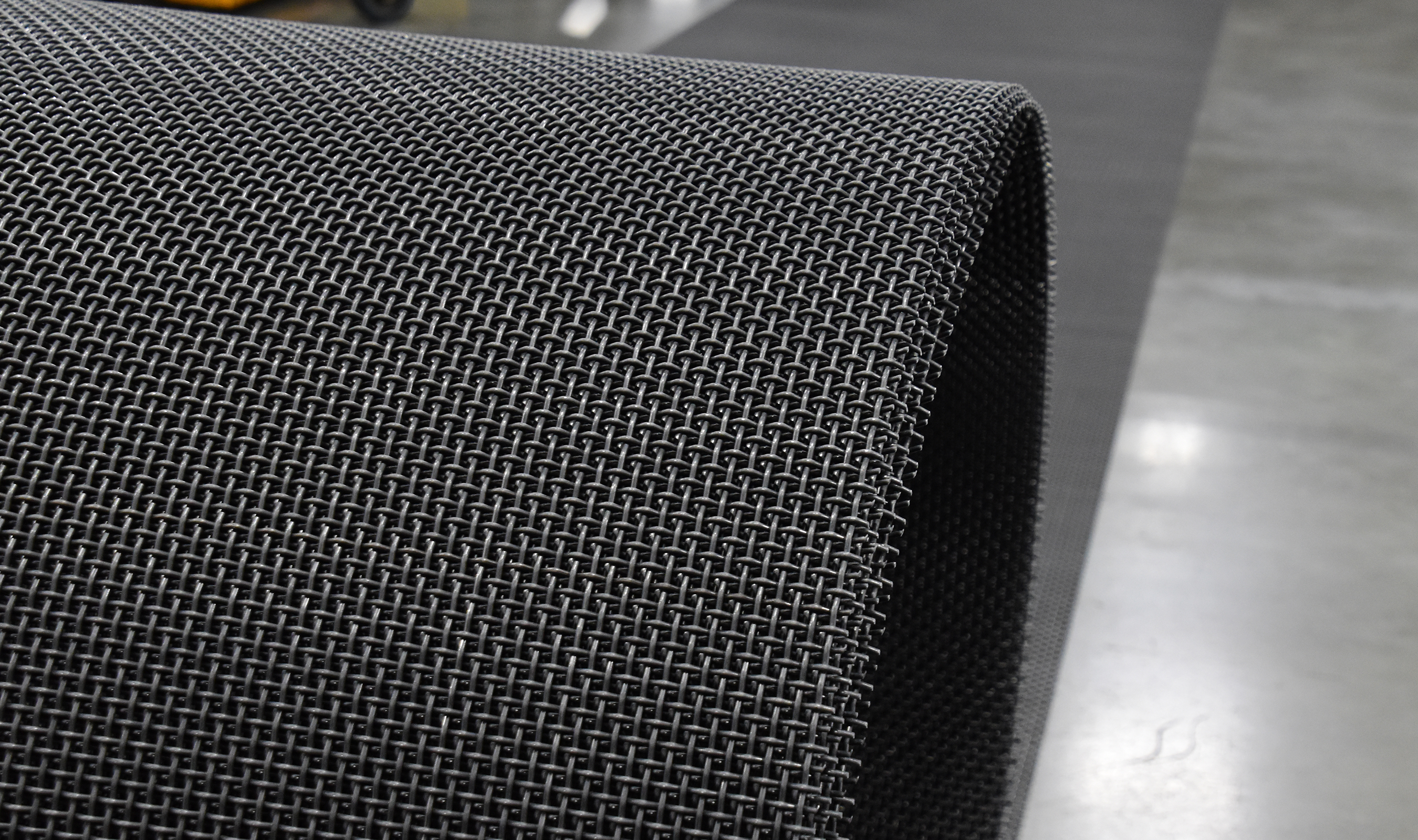 P-68 woven wire mesh roll