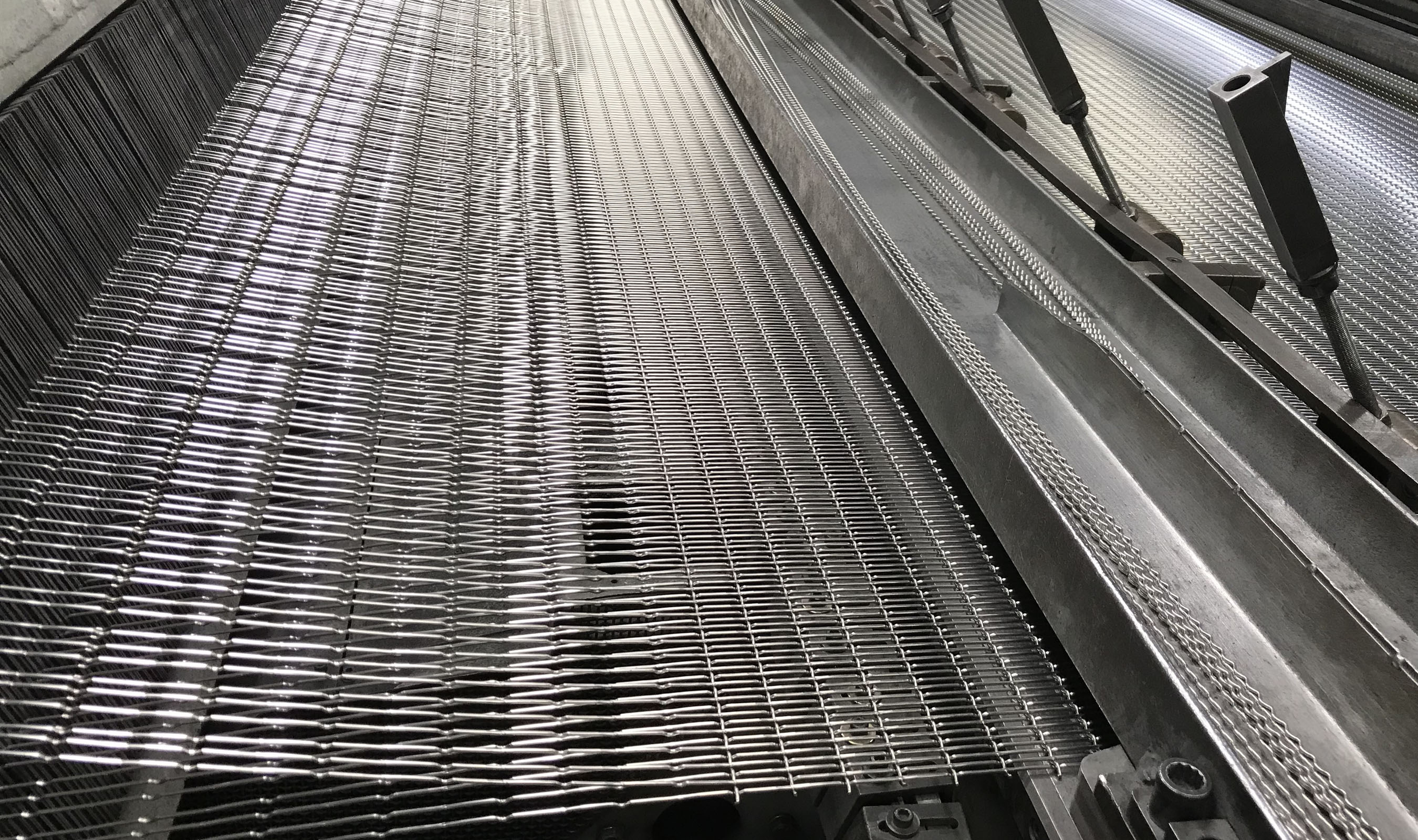 FPZ-31 Stainless Steel woven wire mesh on the loom