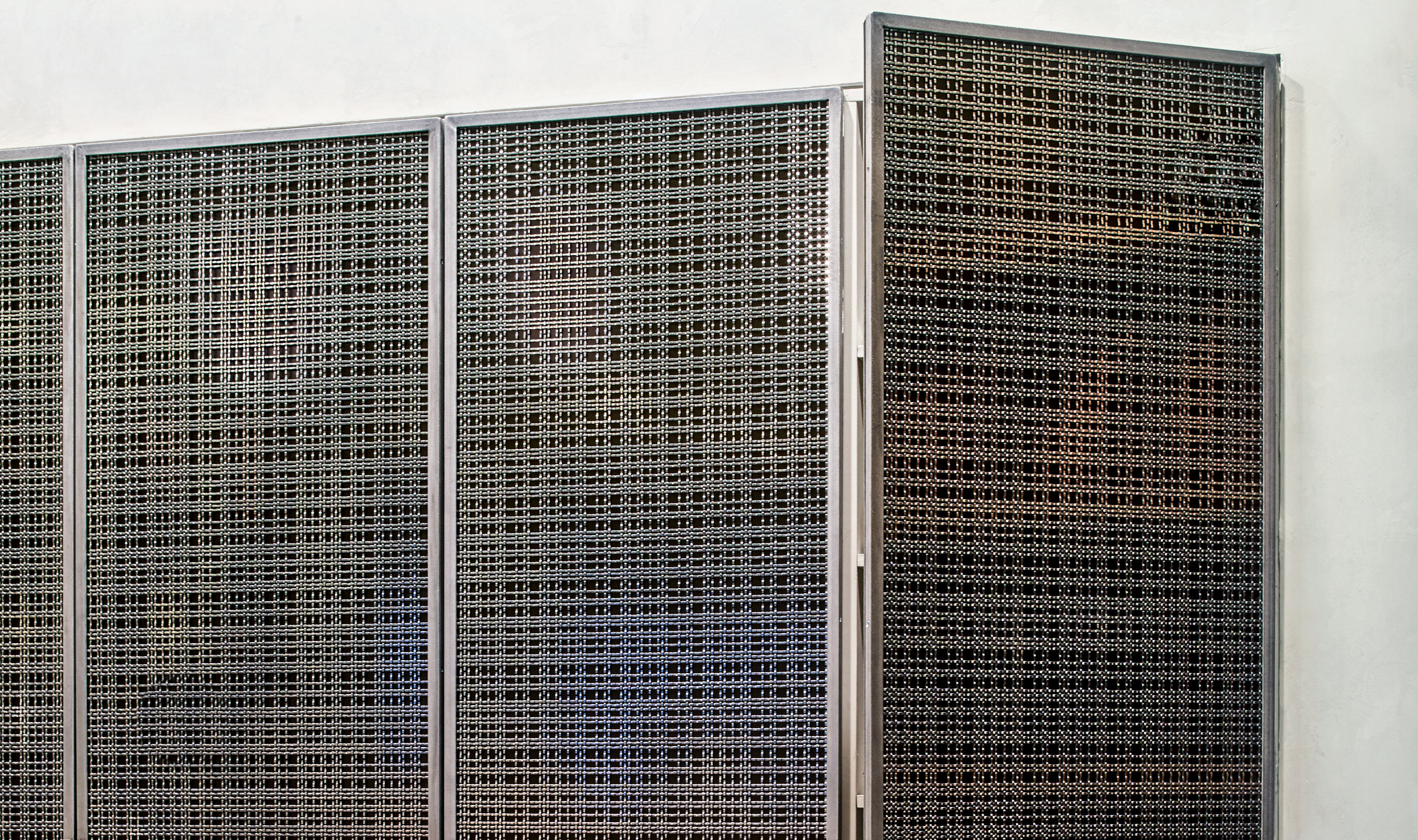 SJD-21 wire mesh pattern in Stainless Steel as Door fronts