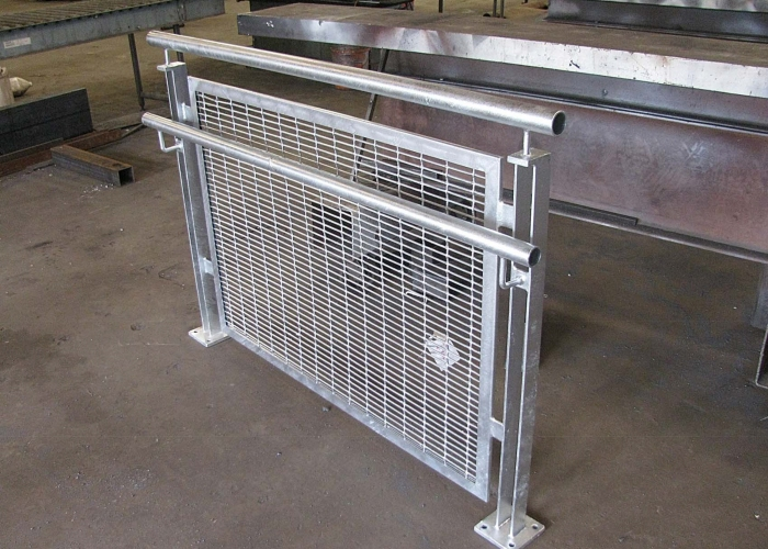 Woven Wire Mesh Hot Dip Galvanizing (Galv After) After welding to assembly