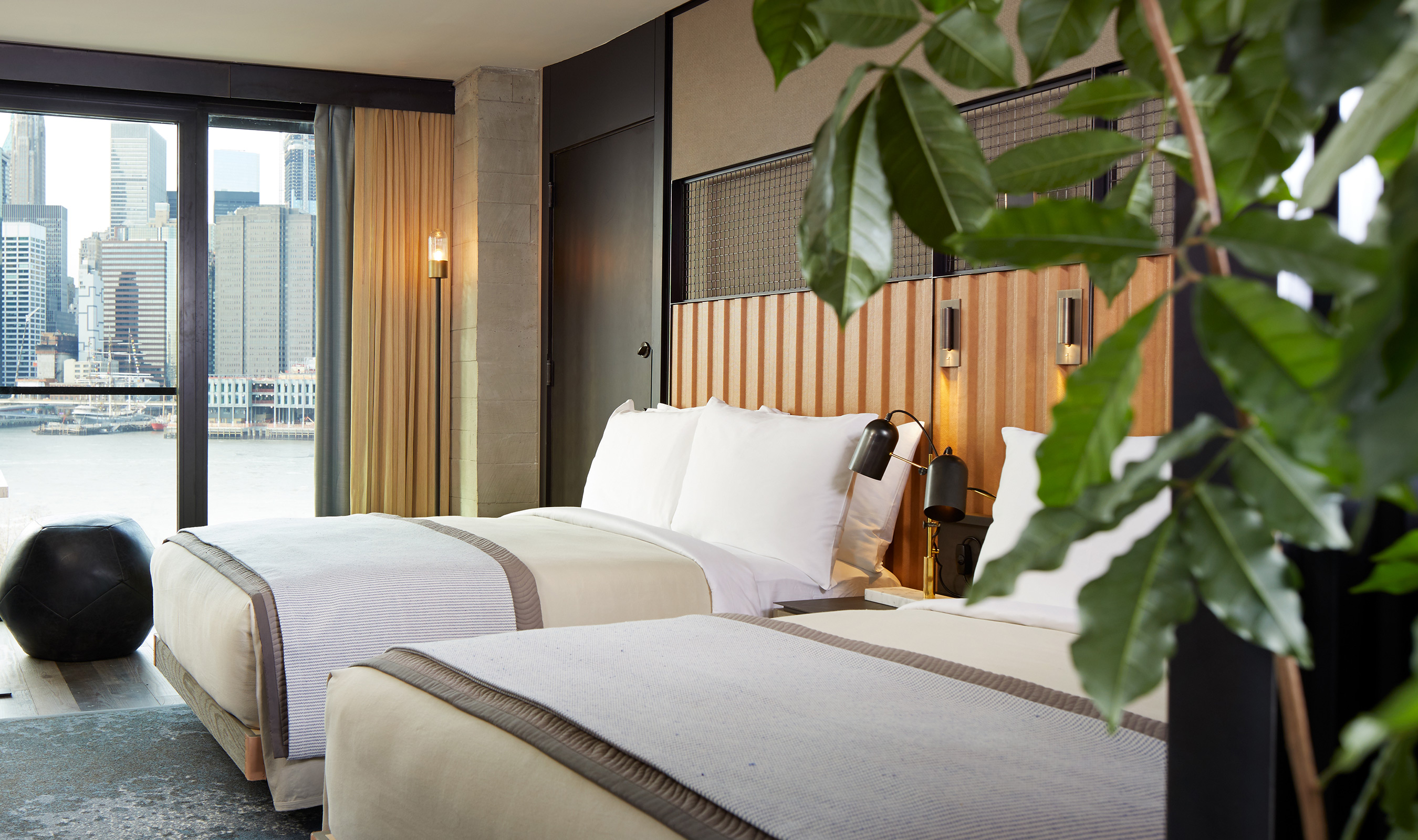 L-85 wire mesh blends well with the rooms at 1 Hotel Brooklyn Bridge to create a chic, yet cozy atmosphere.