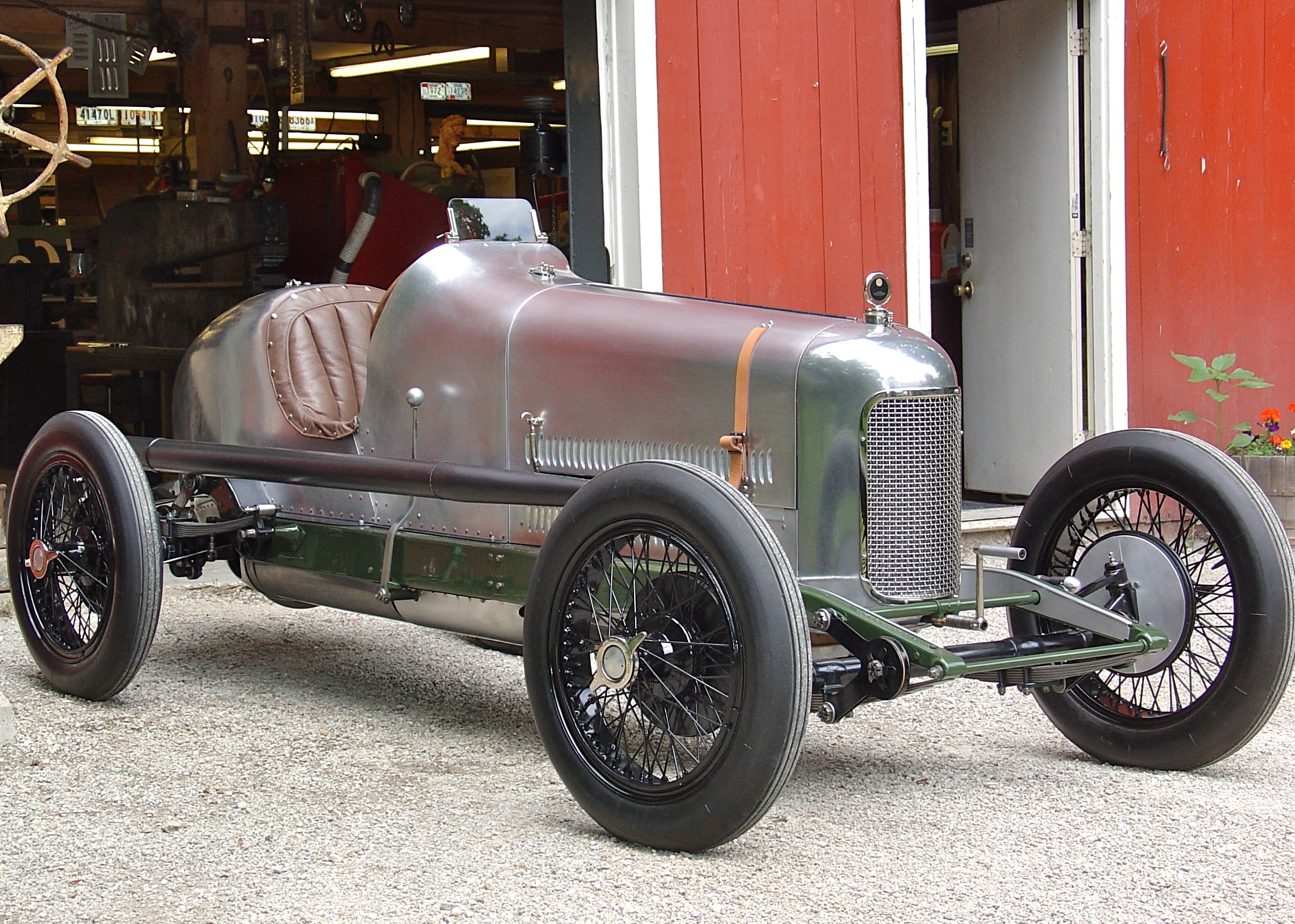 In 2005, Banker Wire was approached by Jerry Weeks of Metalsmith Inc. to assist in the restoration of a 1923 Miller 122 Supercharged Race Car.