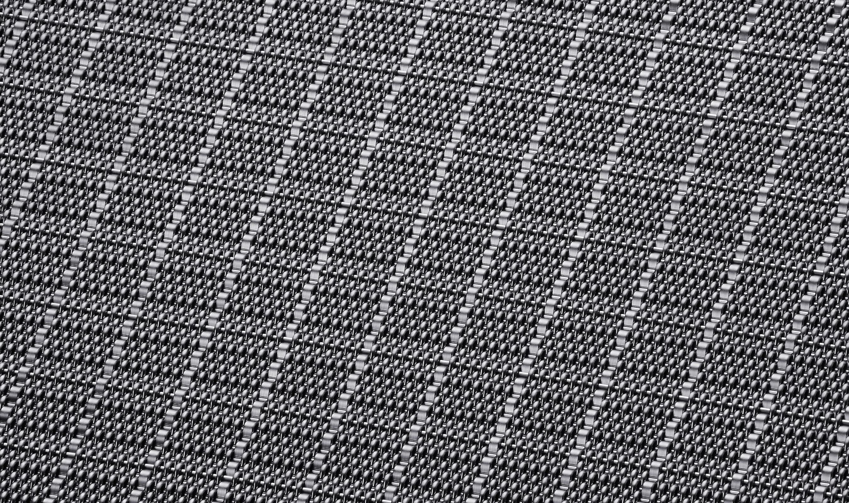 DI-4 in a Stainless Steel Woven Wire Mesh finish
