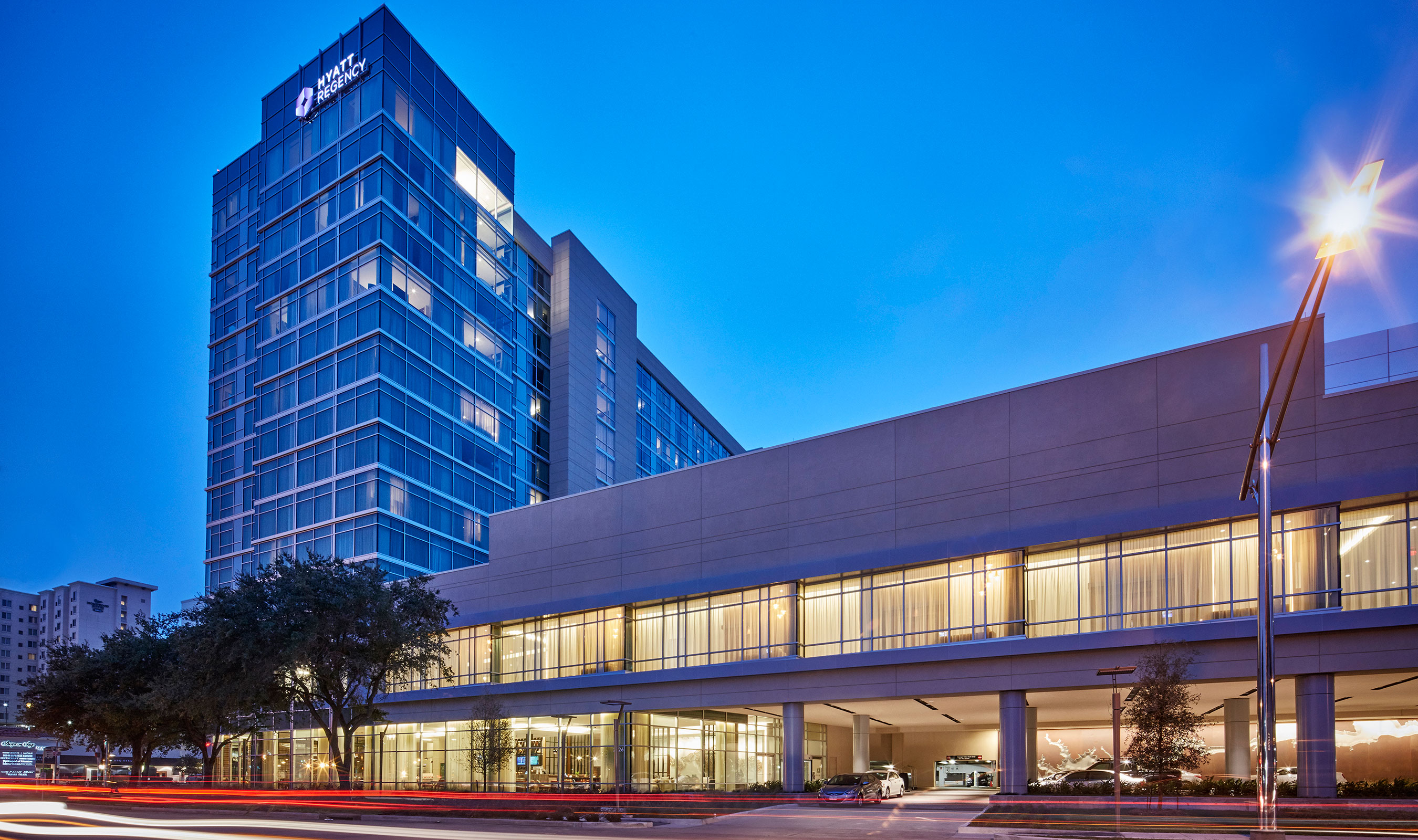 As part of the dynamic Uptown District in Houston, Texas, the Hyatt Regency Houston Galleria was designed by Gensler to appeal to business and leisure travelers