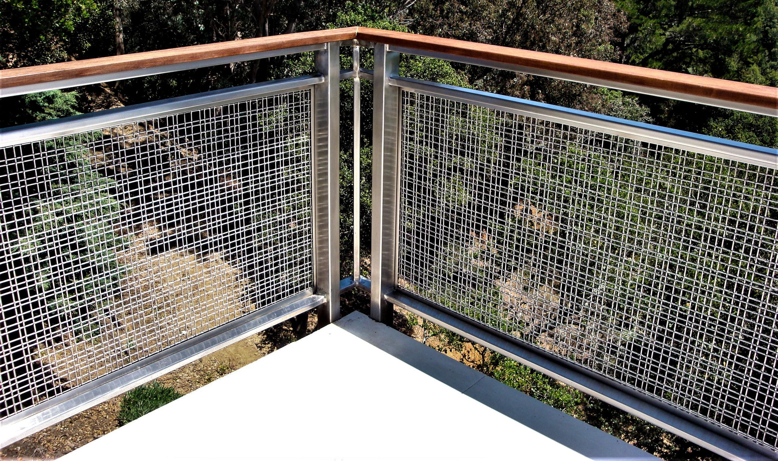 SJD-2 wire mesh infill panels