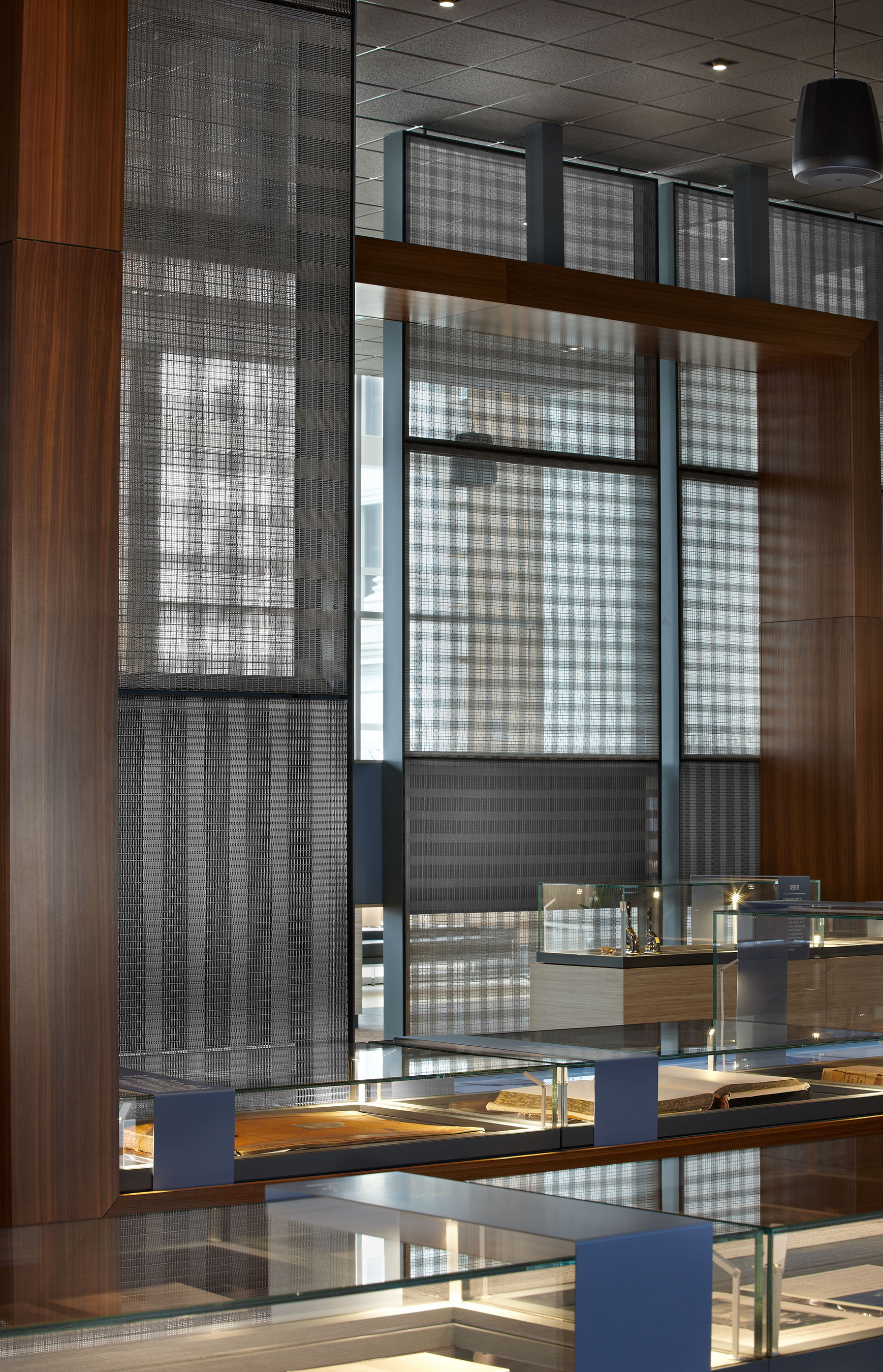 PFZ-53 stainless steel wire mesh emphasizes the designer's vision for a plaid-like pattern.