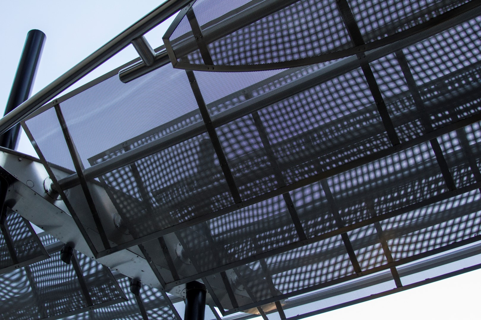 R.F. Knox Company, Inc., a fabricator based in Smyrna, G.A., executed Civitas' vision by surrounding the woven wire mesh with U-edge frames.
