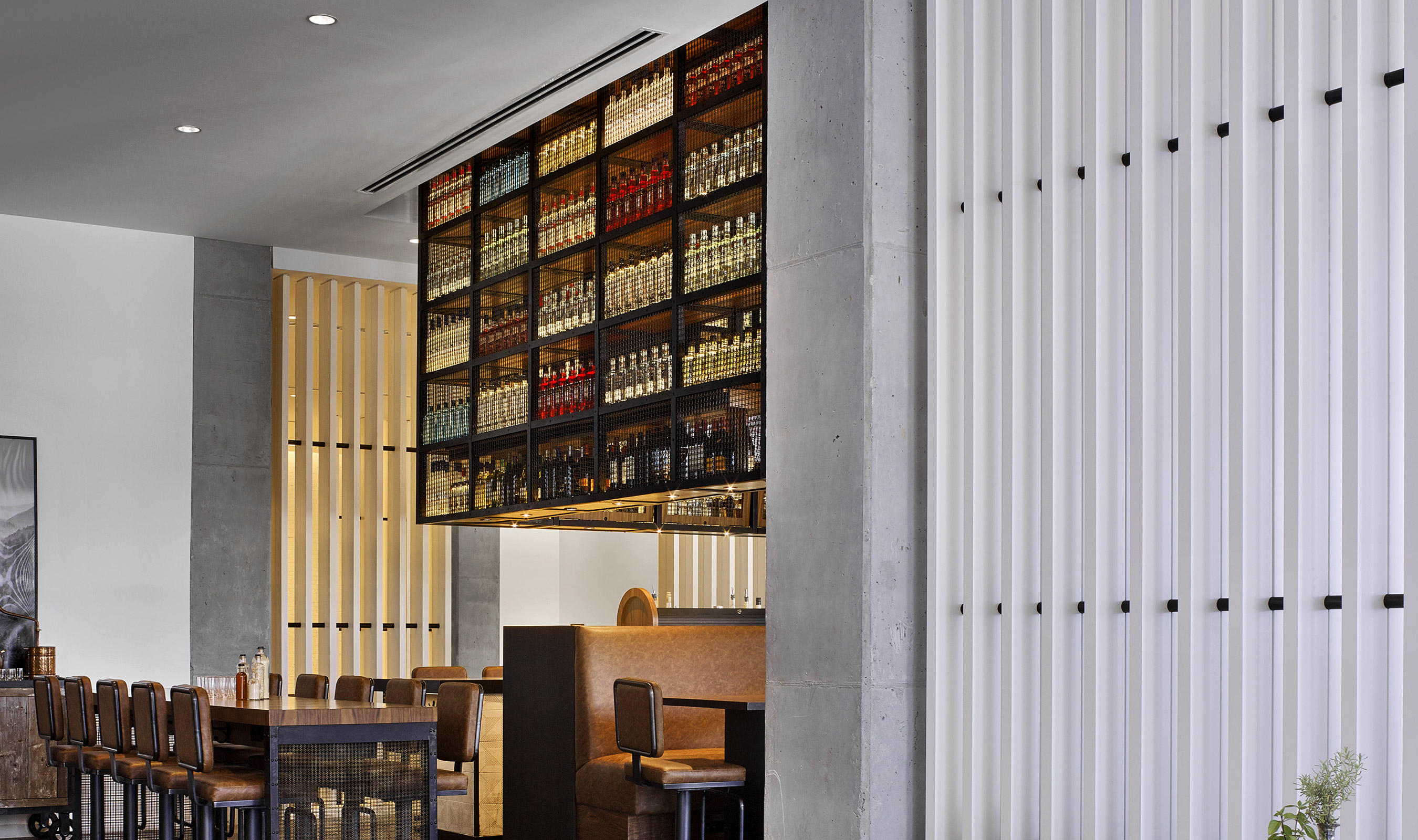 Located inside the Renaissance Atlanta Airport Gateway Hotel is the Hickory & Hazel Table & Bar, a 2,976 square foot restaurant that seats 106 guests.