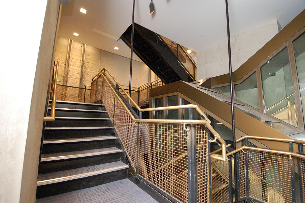 The statue's interior stairways feature Banker Wire's L-92 wire mesh in bronze.