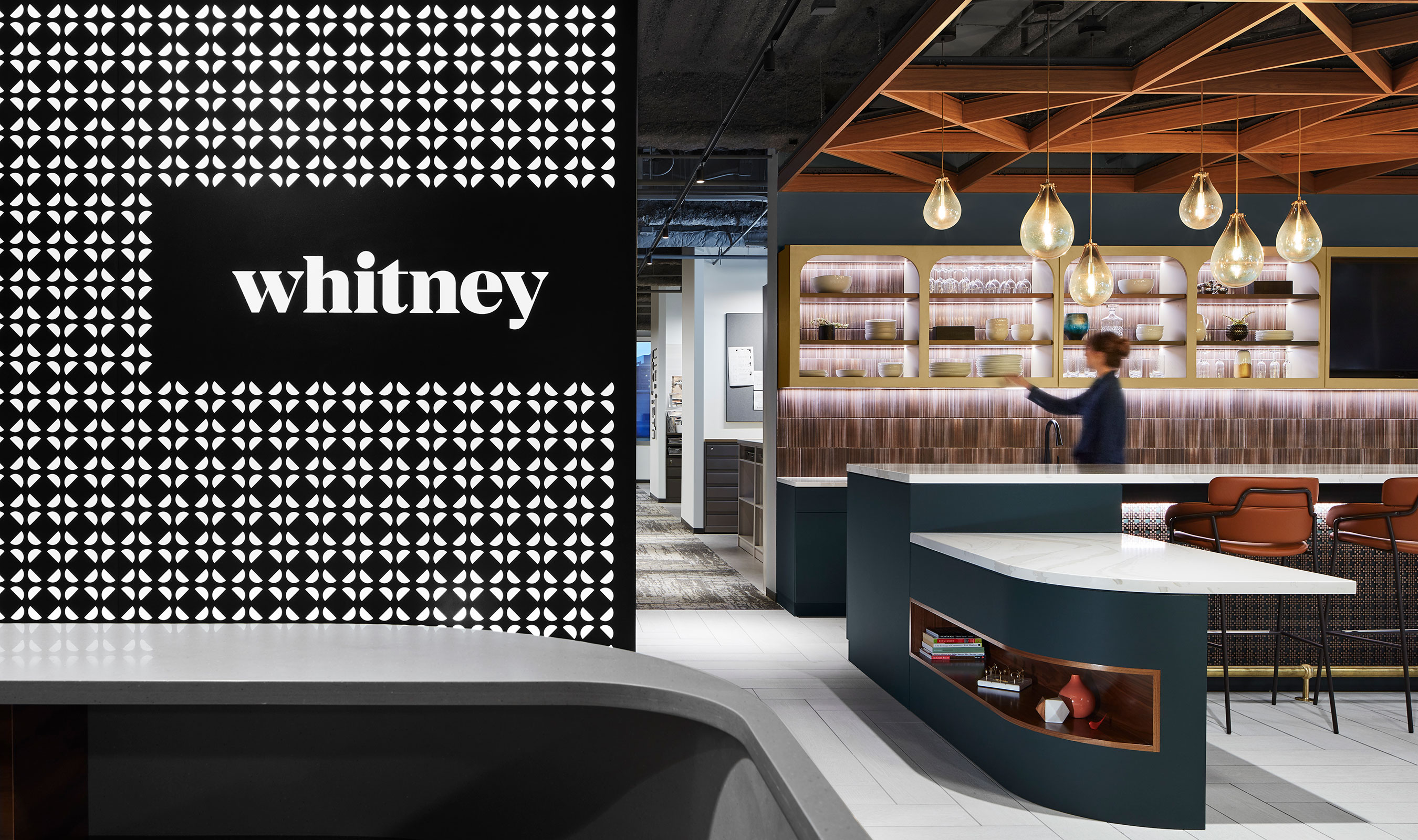 The unique styling of Banker Wire's M33-5 lent itself well as bar cladding to the Whitney Architects' work café at their Chicago headquarters.